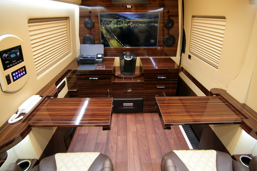 Luxury Van Class Bwith Bedroom And Bathroom