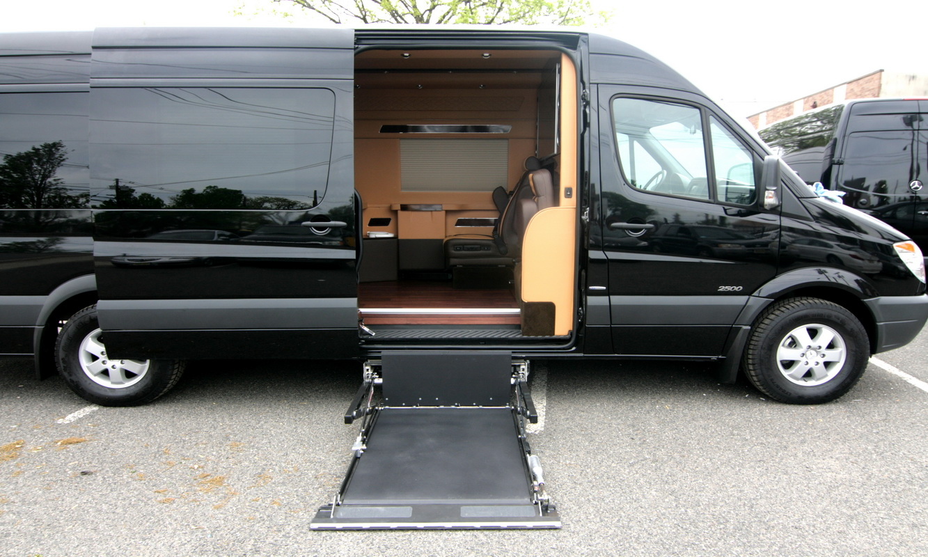 custom luxury wheelchair accessible mobility vans
